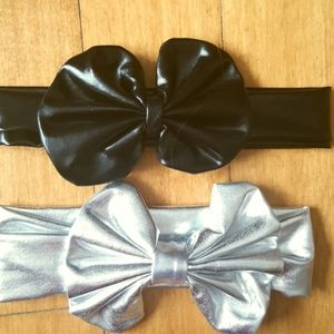 Other - Infant bows black and silver